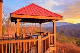 Private 5 Bedroom Cabin with Gazebo and Hot Tub