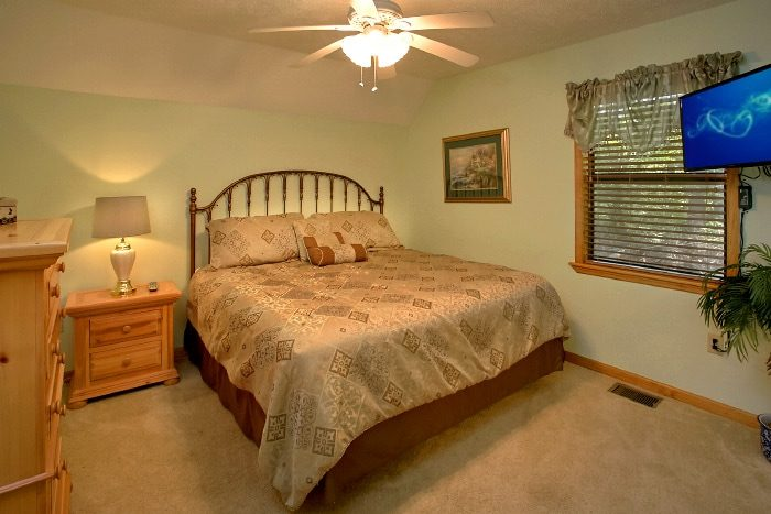 3 Bedroom Cabin with King Master Bedroom - Brentwood