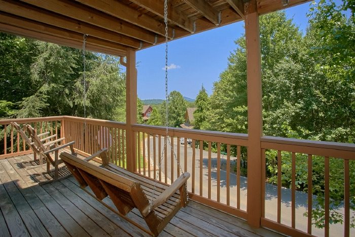 Pigeon Forge Cabin with Porch swing and View - Brentwood