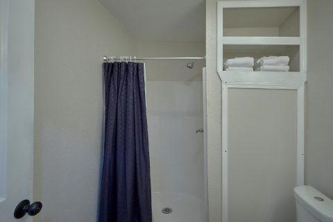 Master Bathroom with Shower Sleeps 2 - Byrd Box
