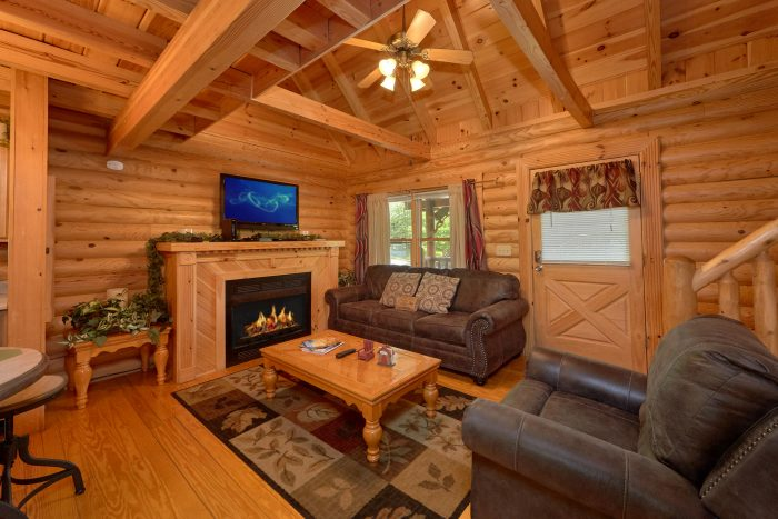 2 Bedroom cabn with fireplace in living room - Candle Light Cabin