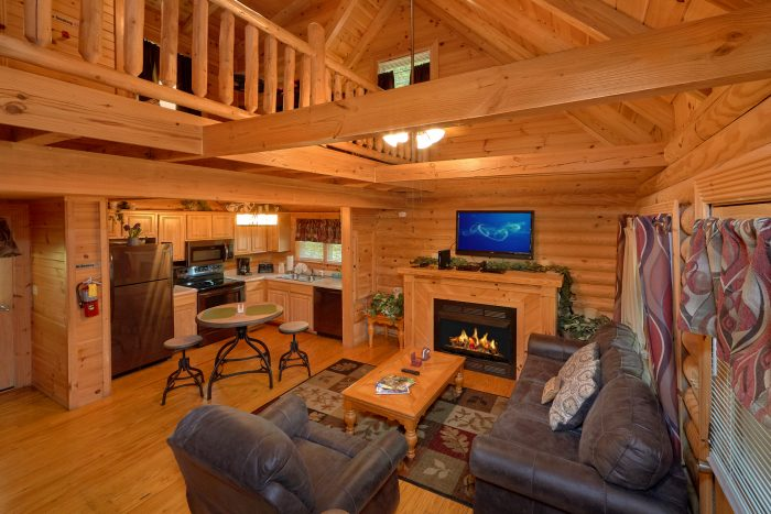 Rustic 2 Bedroom cabin with Fireplace - Candle Light Cabin