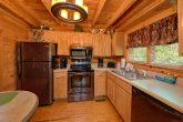 Resort cabin with 2 bedrooms and full kitchen