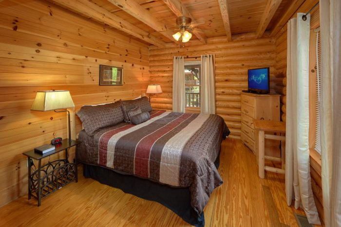 2 bedroom cabin with Master King bedroom - Candle Light Cabin