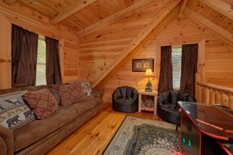 2 bedroom cabin with Arcade Game and Loft - Candle Light Cabin