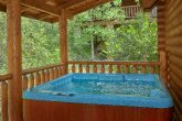 2 Bedroom cabin rental with hot tub on deck