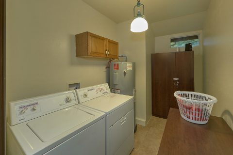 2 Bedroom Cabin with Laundry Room - Can't Bear To Leave