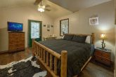 2 Bedroom 3 Bath Cabin Sleeps 8