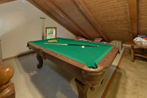 Open Loft Game Room with Pool Table - Can't Bear To Leave
