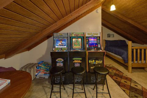 Open Loft Game Room with 3 Arcade Games - Can't Bear To Leave