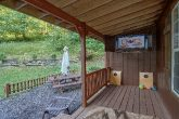 2 Bedroom 3 Bath Secluded cabin with Yard