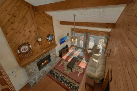 large Open Floor Plan 5 Bedroom Cabin - Casa Blanca