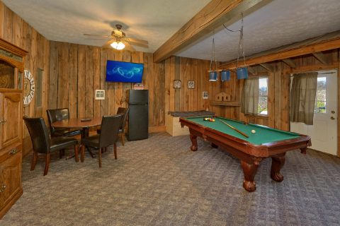 Game Room With Card Table and Pool Table - Casa Blanca