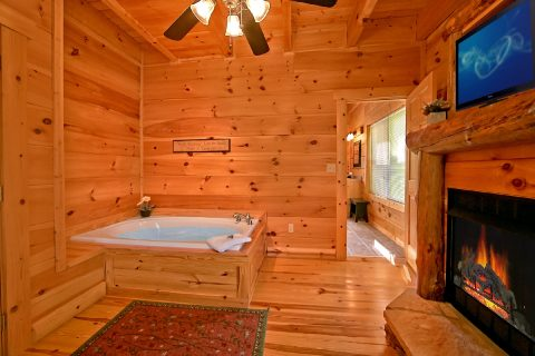 Cabin with King Suite, Jacuzzi and private bath - Catch A Star