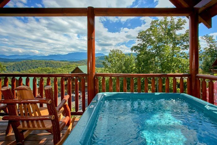 2 Bedroom Cabin with Hot Tub and Views - Catch of the Day