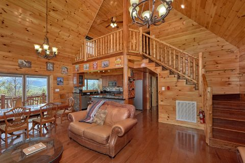 Cozy 2 Bedroom Cabin with Fireplace and Loft - Charming Charlie's Cabin
