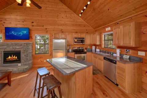 Hidden Springs 3 Bedroom Cabin Sleeps 7 - Cheeky Chipmunk Getaway