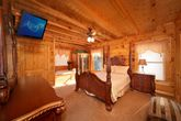 Pigeon Forge Luxurious 1 King Bedroom Cabin
