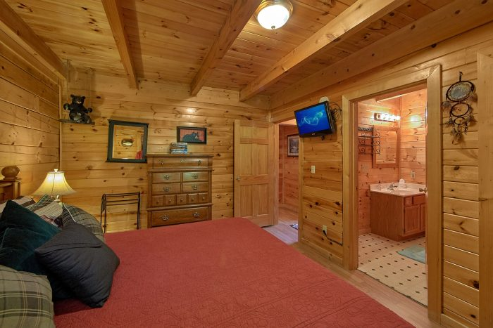 2 Bedroom Cabin with Private Master Suite - Cherokee Creekside