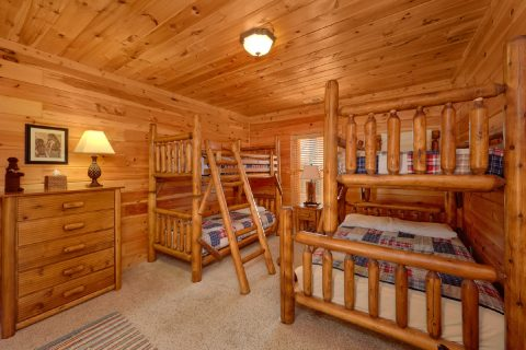 Lower Level Bedroom with Bunk Beds - Cherokee Hilltop