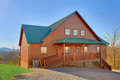 Pigeon Forge 3 Bedroom Cabin Sleeps 11 - Cherokee Hilltop