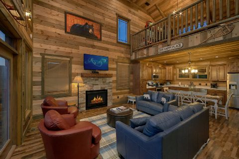 Luxurious 5 Bedroom Cabin Sleeps 16 - Cloud Bound