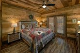 Main Floor Master Suite 5 Bedroom Cabin Sleep 16