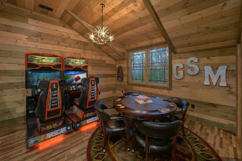 Loft Game Room with Arcade and Poker Table - Cloud Bound