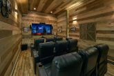 5 Bedroom Cabin with Theater Room Sleeps 16