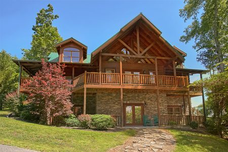 American Dream Lodge: 6 Bedroom Sevierville Cabin Rental