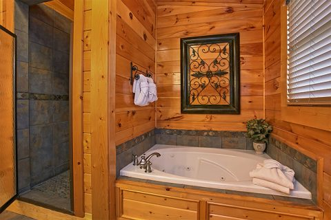 King Master Suite with Private Jacuzzi Tub - C'Mon Inn