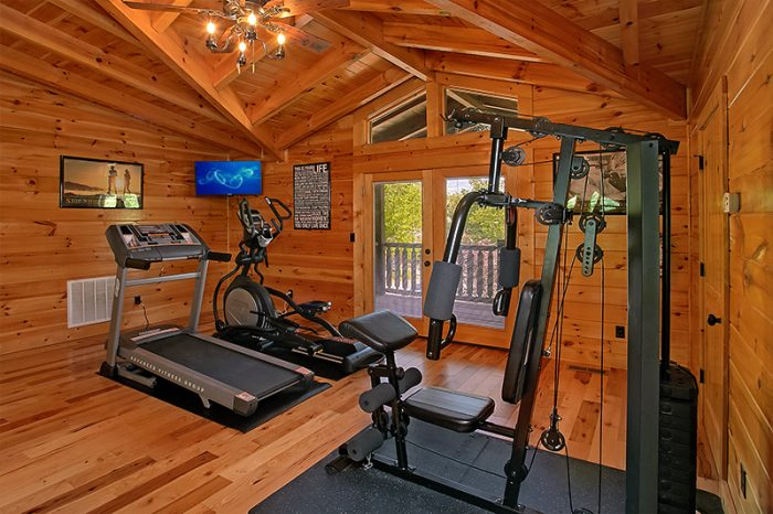 6 Bedroom Cabin with Exercise Room and Treadmill - C'Mon Inn