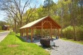 Cabin Resort with Picnic area, Fire Pit and Pool