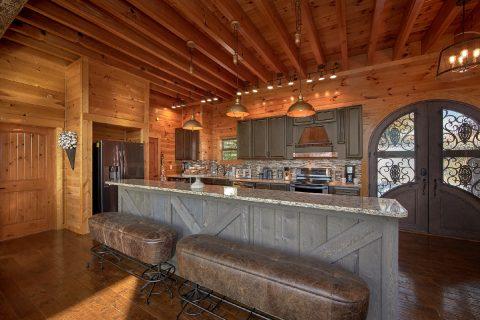 Premium 6 Bedroom Cabin with Luxury Kitchen - Copper Ridge Lodge