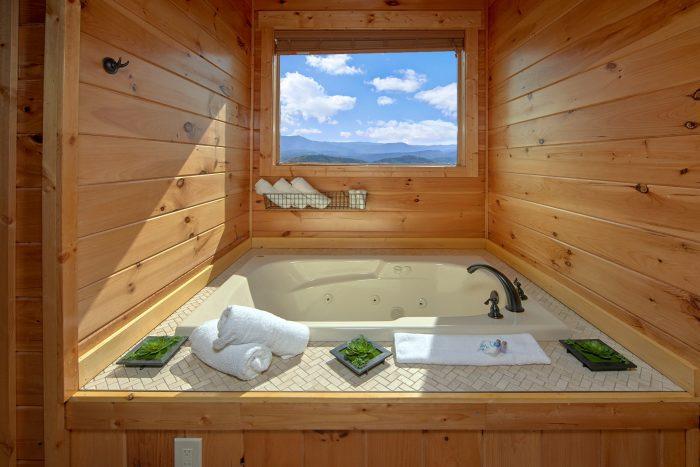 Private Jacuzzi Tub in Master Bathroom - Copper Ridge Lodge