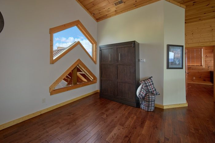 Loft with Full size Bed, Arcade and Poker Table - Copper Ridge Lodge