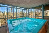 6 Bedroom Cabin in Pigeon Forge with Hot Tub