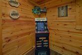 2 bedroom luxury cabin with Arcade Games