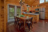 Pigeon Forge 2 bedroom cabin with full kitchen