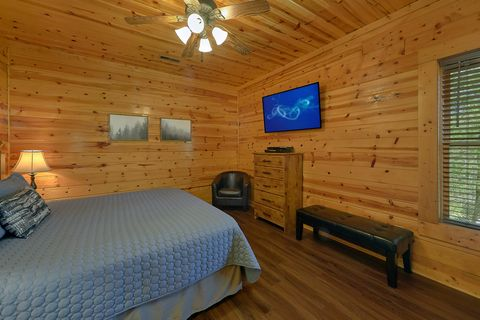 Smoky Mountain 2 Bedroom Cabin in Pigeon Forge - Cozy Escape