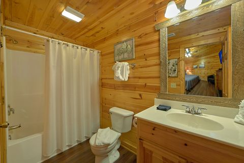 Pigeon Forge Premium Cabin with Gas Grill - Cozy Escape