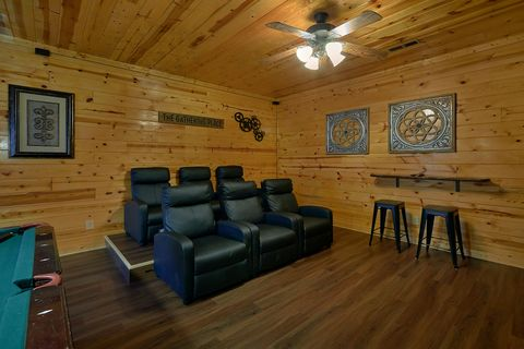 Premium Smoky Mountain 2 Bedroom Cabin - Cozy Escape
