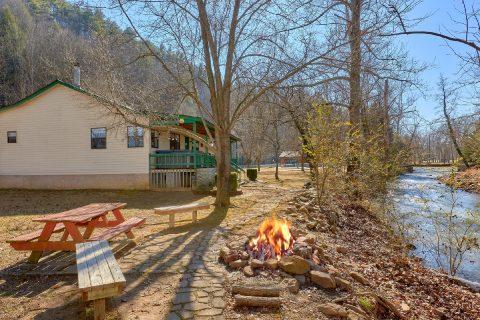 3 Bedroom Cottage on Creek with Fire pit - Creekside Cottage