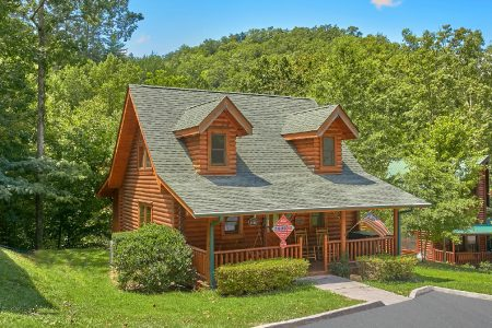 Can't Bear To Leave: 2 Bedroom Sevierville Cabin Rental