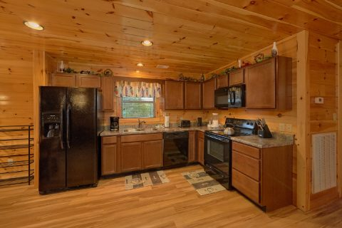 6 Bedroom Cabin with Fully Equipped Kitchen - Crosswinds