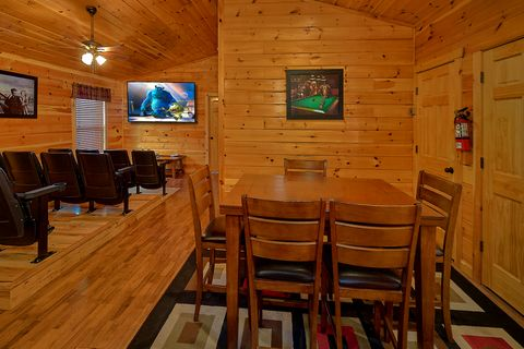 6 Bedroom Cabin with Theater Room - Crosswinds
