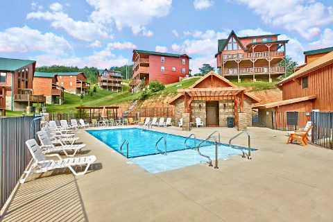 Resort Swimming Pool access for 6 bedroom cabin - Crosswinds
