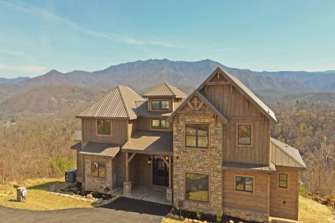Featured Property Photo - Crown Chalet