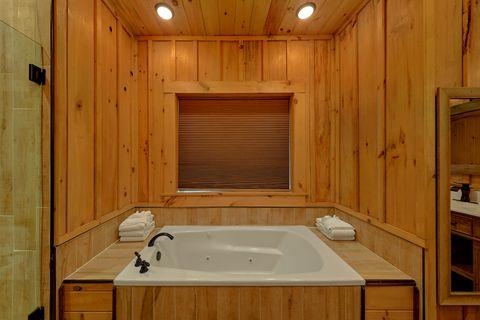 Master Bedroom Bath Main Floor - Crown Chalet