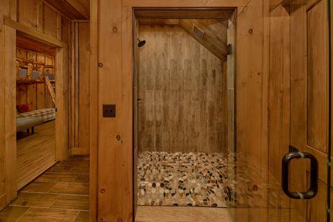 Indoor Pool Crown Chalet 4 Bedroom - Crown Chalet